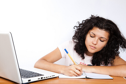 An online accounting student studies.